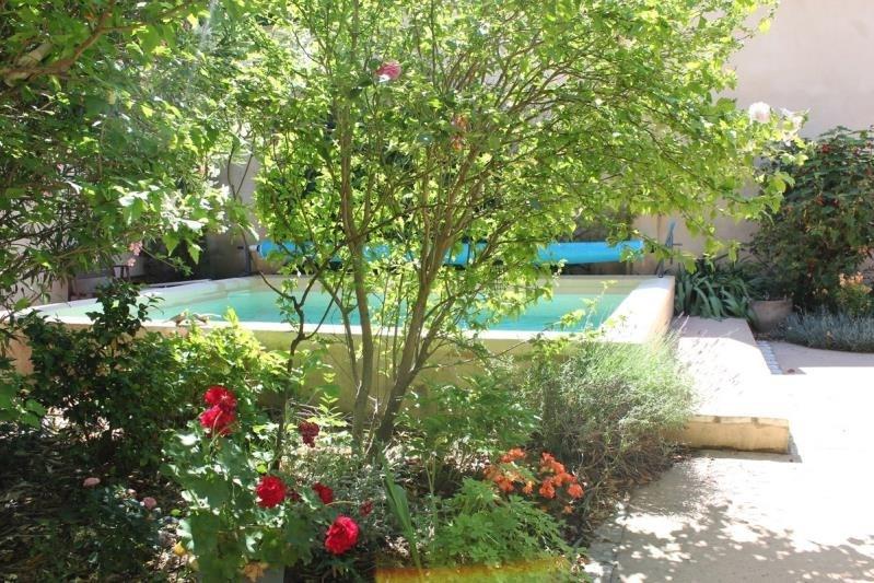 Deluxe sale house / villa Villeneuve les avignon 676000€ - Picture 2