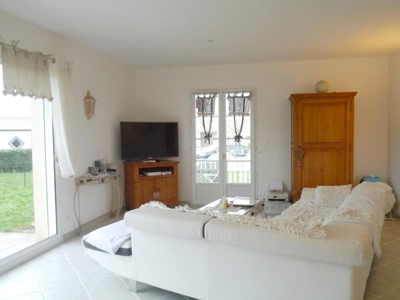 Sale house / villa Gemozac 183750€ - Picture 4