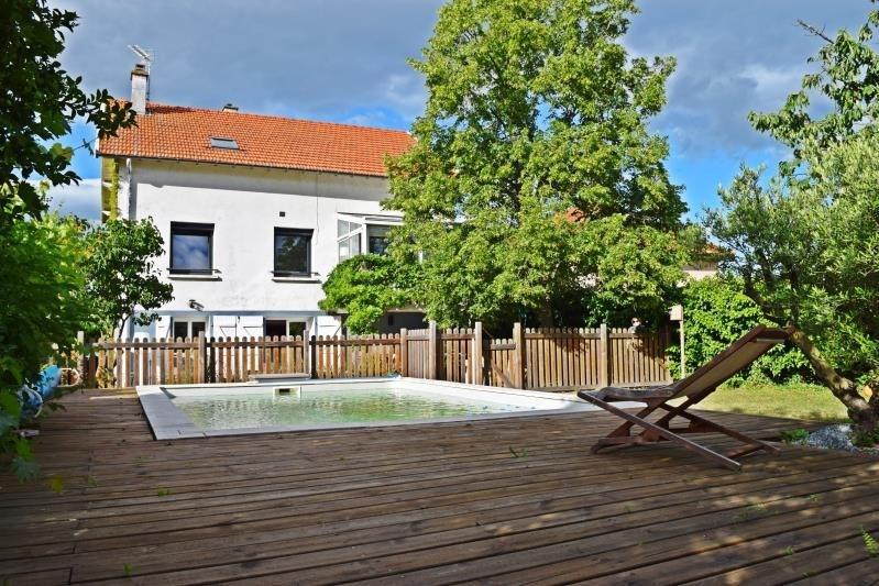 Sale house / villa Riorges 279000€ - Picture 1
