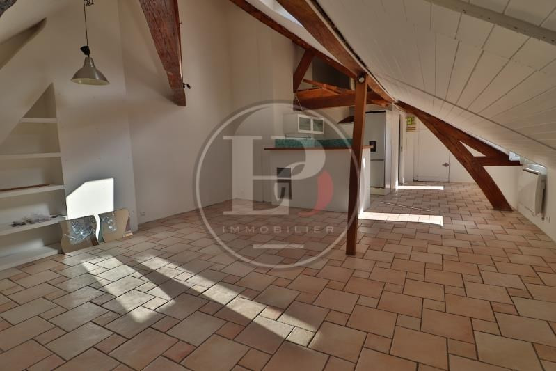 Rental apartment St germain en laye 890€ CC - Picture 2