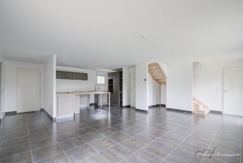 Deluxe sale house / villa Charbonnieres les bains 625000€ - Picture 1