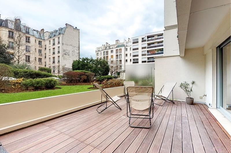 Deluxe sale apartment Paris 15ème 1 295 000€ - Picture 3