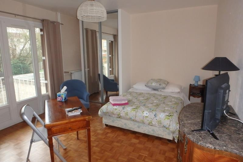 Location appartement Viroflay 830€ CC - Photo 1