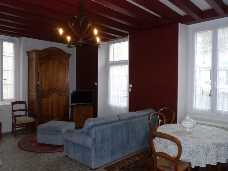 Sale house / villa St fort sur gironde 137800€ - Picture 3