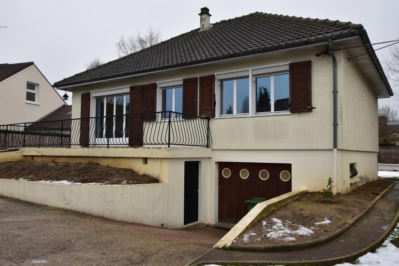 Sale house / villa Feucherolles 375 000€ - Picture 1
