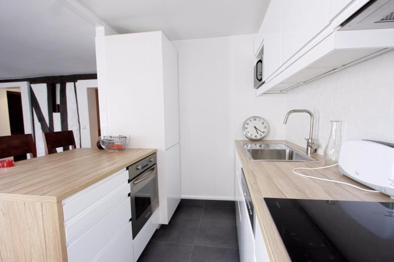Location appartement Paris 3ème 2 675€ CC - Photo 4