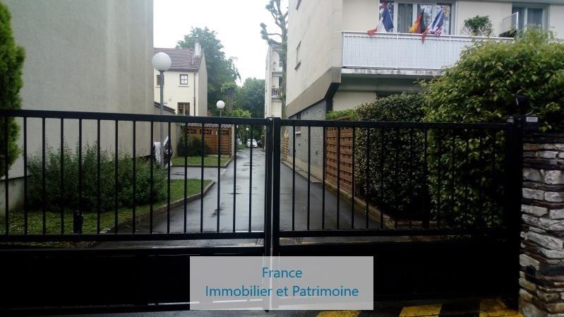 Rental parking spaces Maisons-laffitte 76€ CC - Picture 3