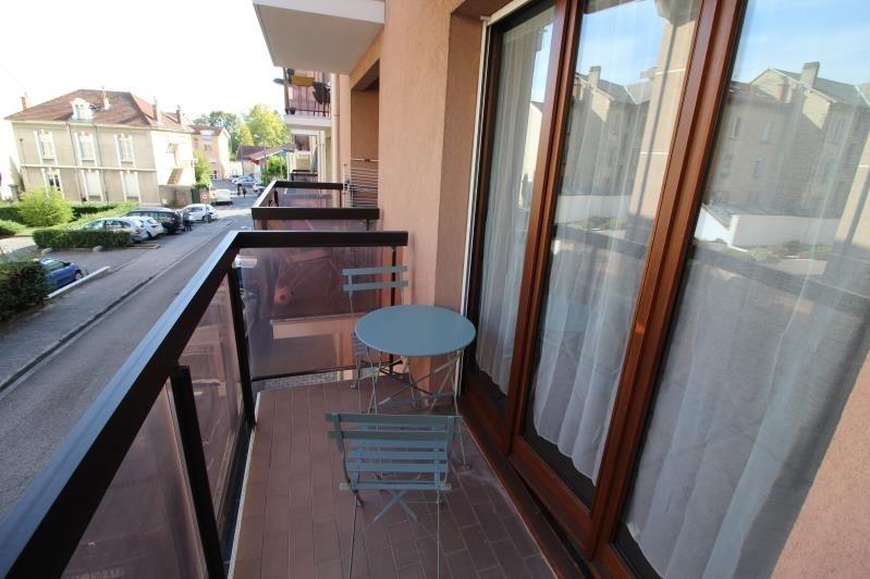 Locação apartamento Voiron 590€ CC - Fotografia 5