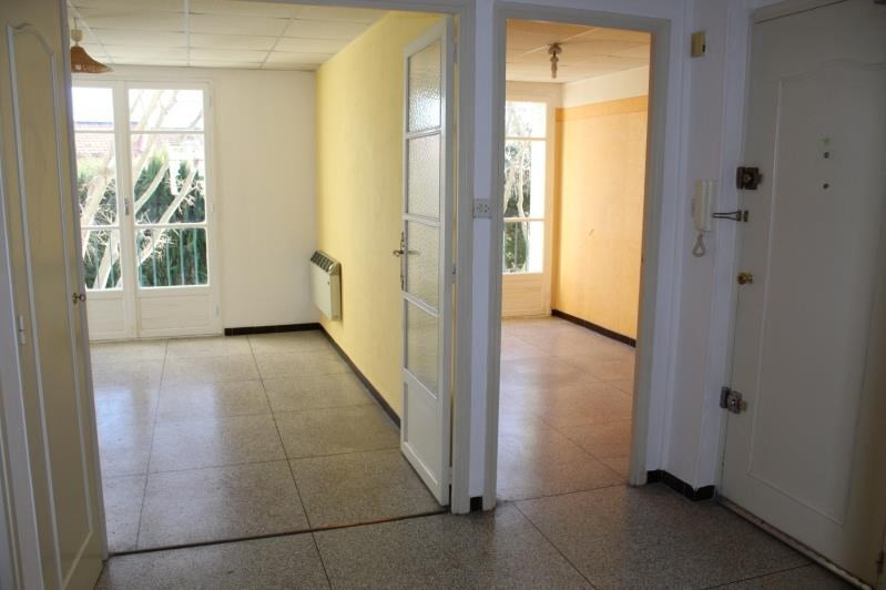 Sale apartment Salon de provence 96 000€ - Picture 3