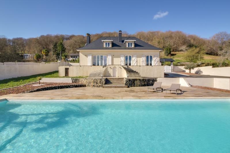 Deluxe sale house / villa Gelos 699000€ - Picture 1