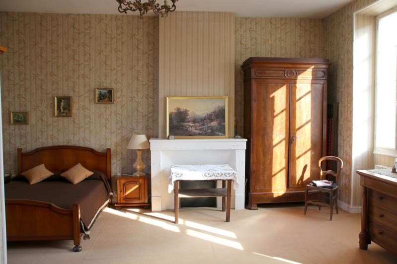 Sale house / villa Gemozac 333760€ - Picture 6