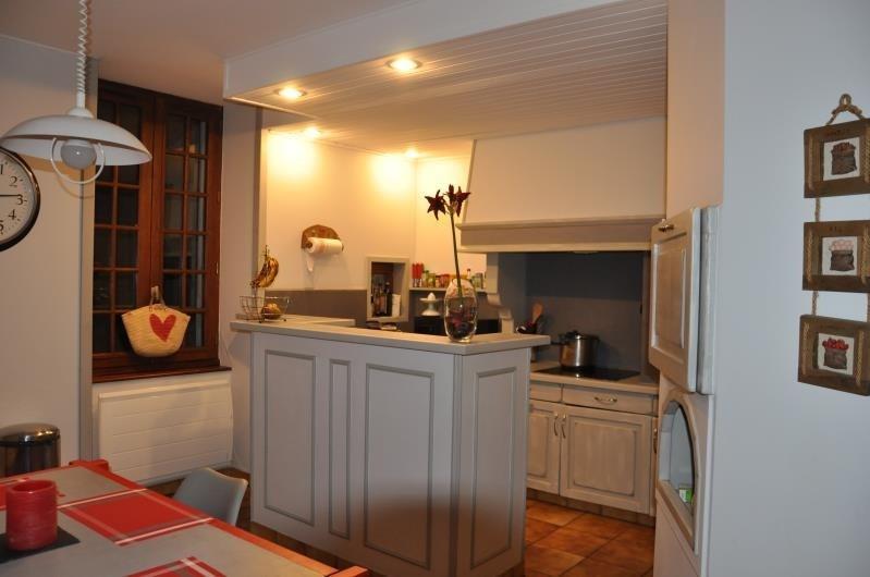 Sale apartment Saint claude 165000€ - Picture 2