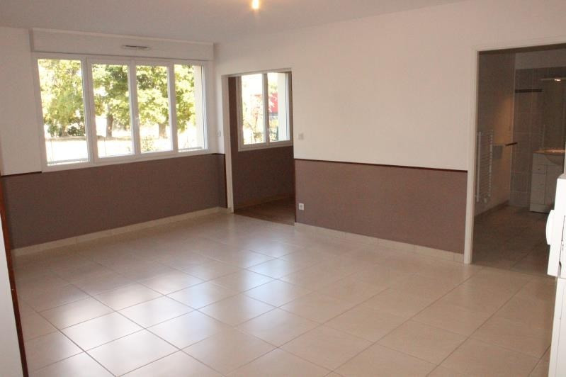 Rental apartment La ferte gaucher 580€ CC - Picture 2