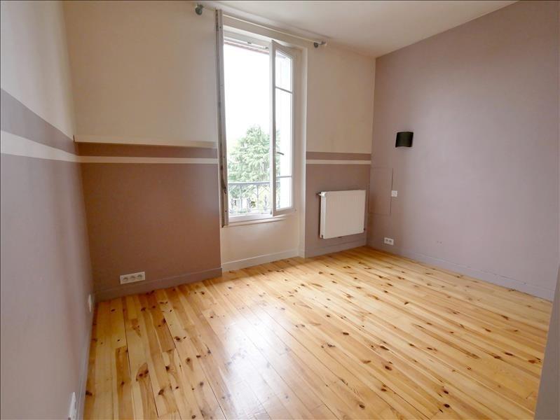 Rental apartment Garches 954€ CC - Picture 2