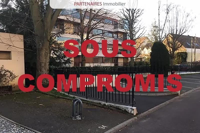 Sale parking spaces Le chesnay 24000€ - Picture 1