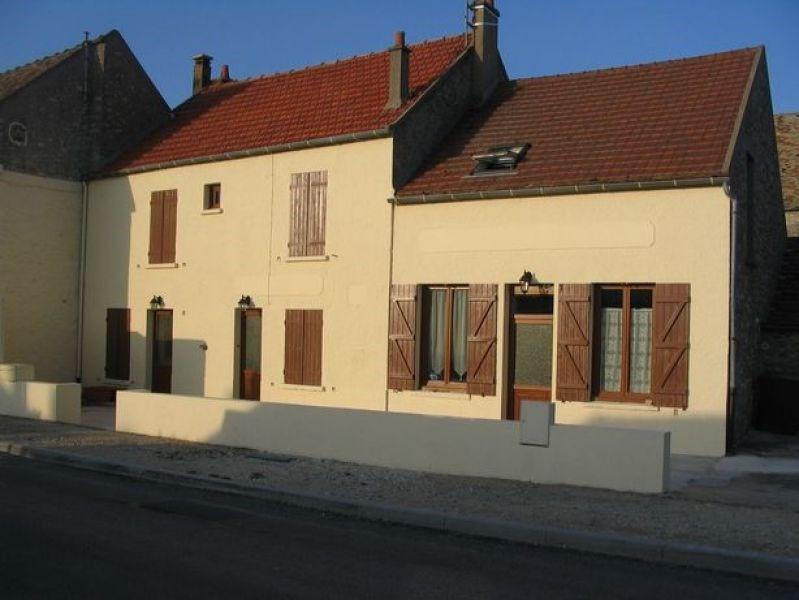 Rental apartment Mauchamps 610€ CC - Picture 1
