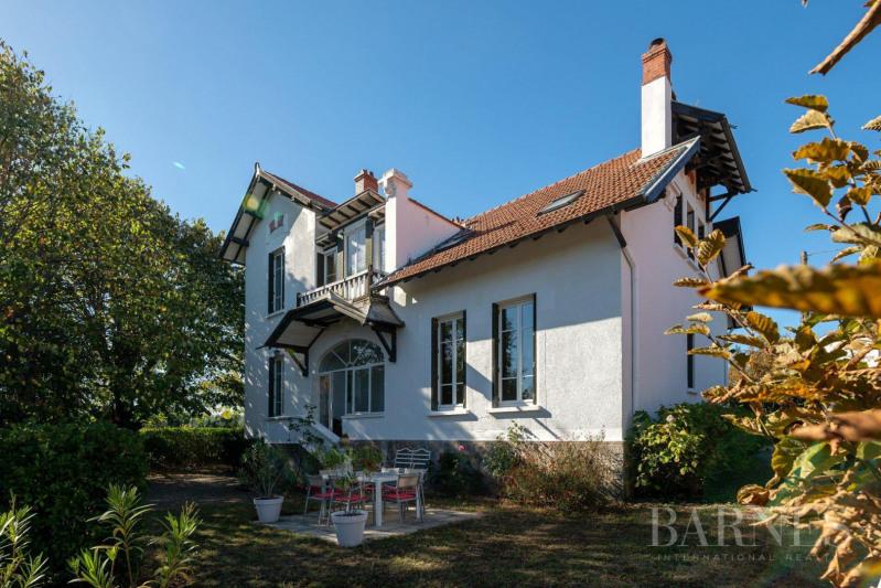 Deluxe sale house / villa Brindas 840000€ - Picture 1