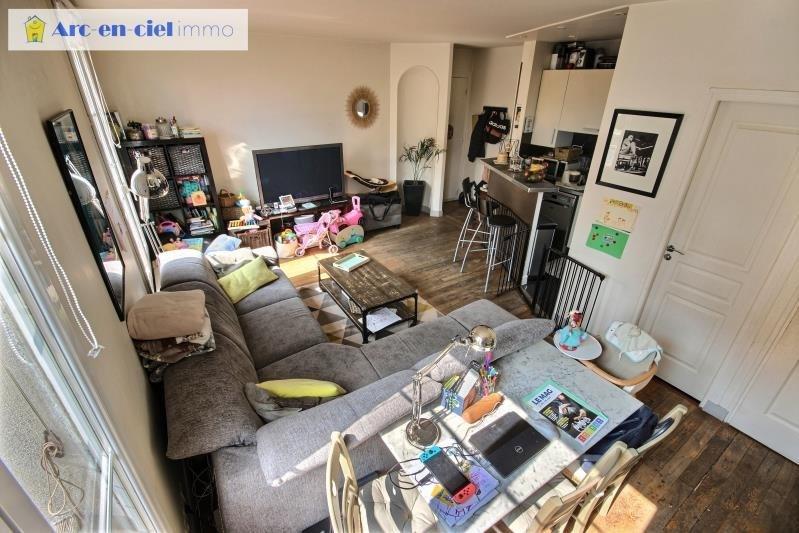 Vendita appartamento Paris 18ème 549000€ - Fotografia 2