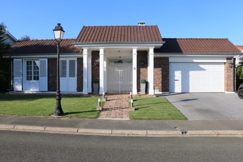 Sale house / villa St nom la breteche 848000€ - Picture 2