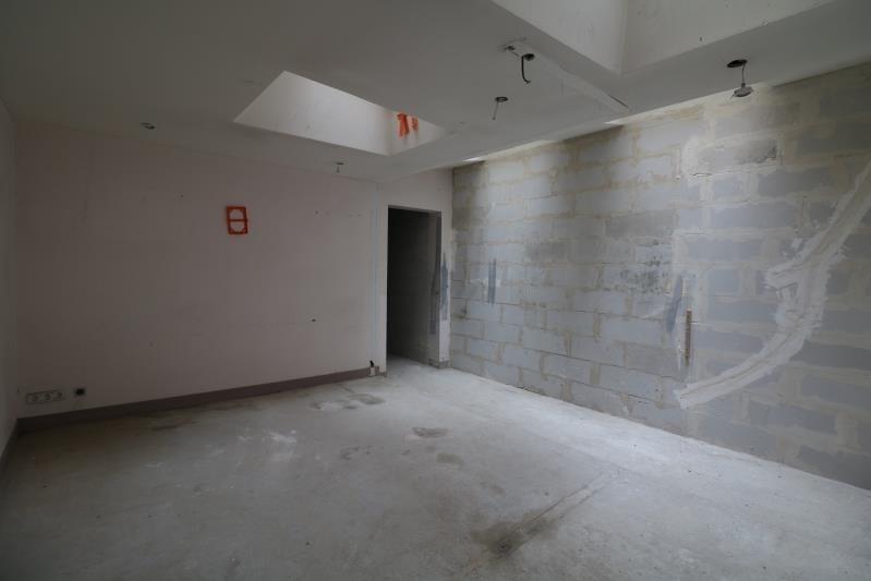 Sale empty room/storage Versailles 441000€ - Picture 3