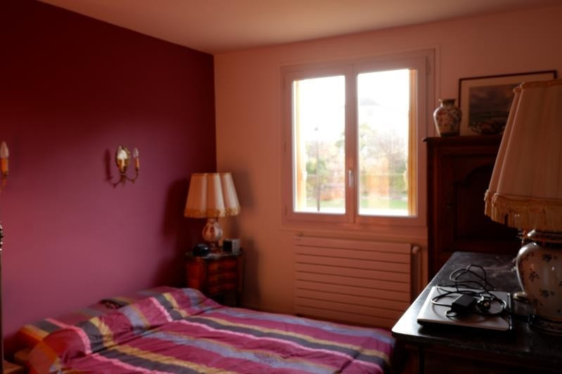 Sale apartment Le mesnil le roi 300000€ - Picture 5