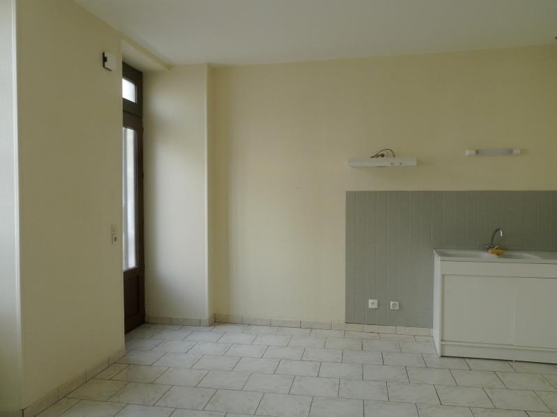 Rental apartment Tesson 550€ CC - Picture 2