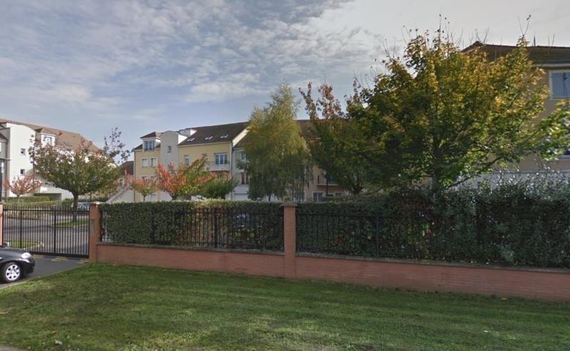 Locação apartamento Voisins le bretonneux 1070€ CC - Fotografia 1