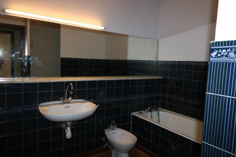 Location appartement Bonneville 850€ CC - Photo 4