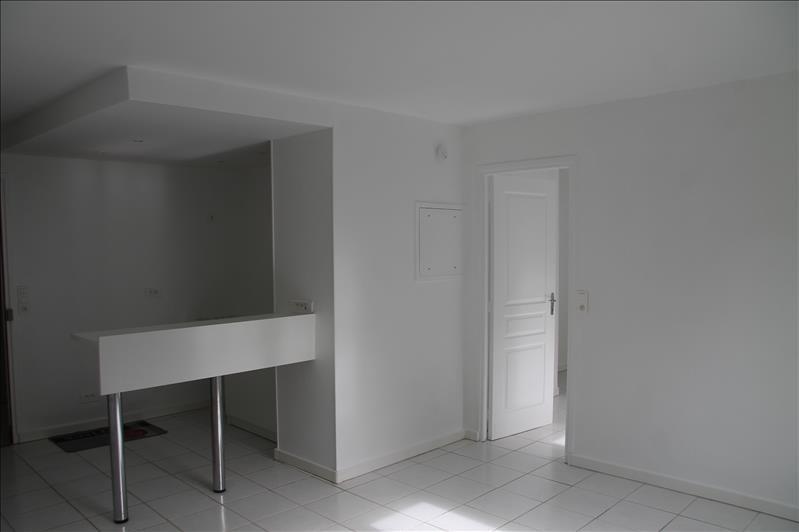 Verhuren  appartement Bois le roi 750€ CC - Foto 5