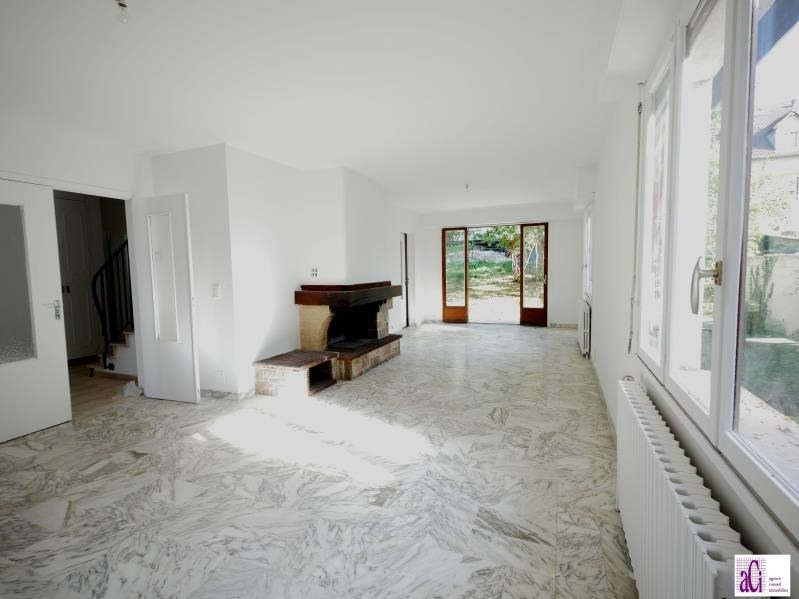 Sale house / villa L hay les roses 740000€ - Picture 2