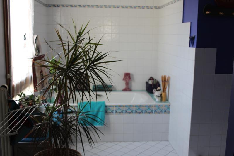 Sale house / villa Quimperle 246750€ - Picture 8