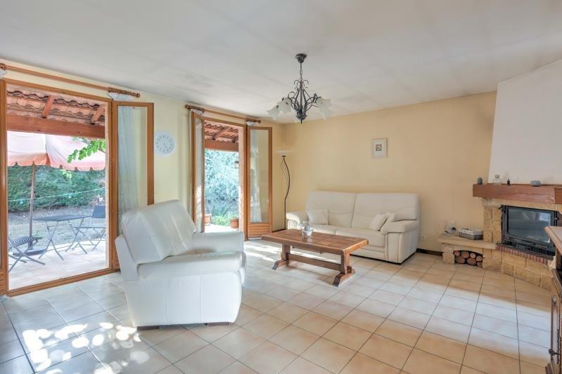 Sale house / villa Trets 345000€ - Picture 2