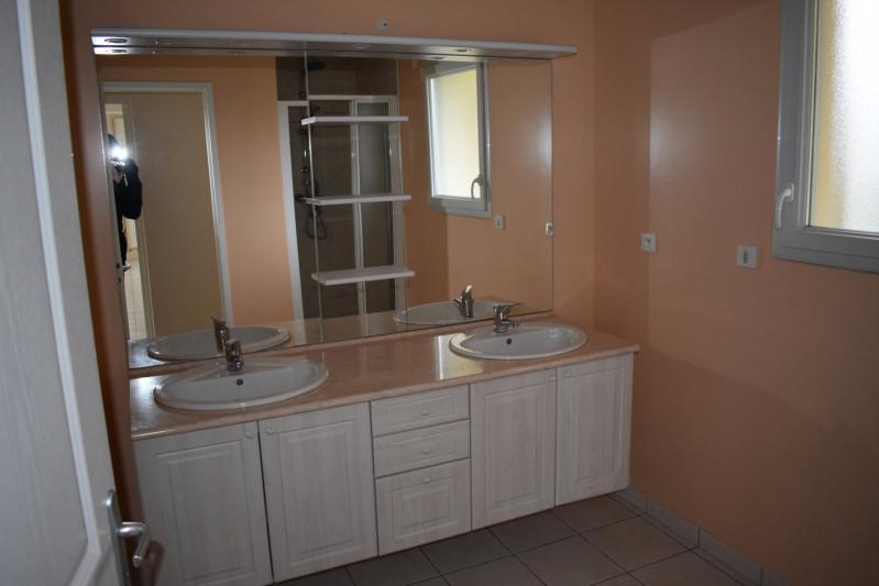 Location maison / villa Agneaux 810€ CC - Photo 5