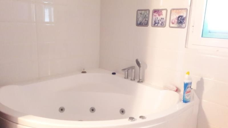 Rental apartment Ste anne 2 500€ CC - Picture 11