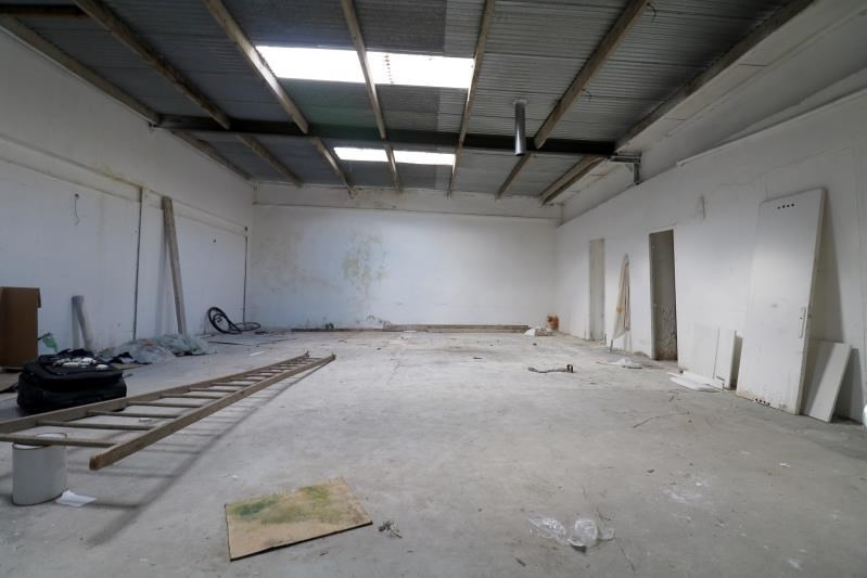 Location local commercial Versailles 2 200€ HT/HC - Photo 2