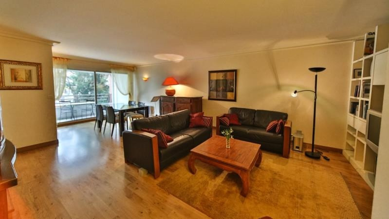 Deluxe sale apartment Annecy 661 500€ - Picture 2