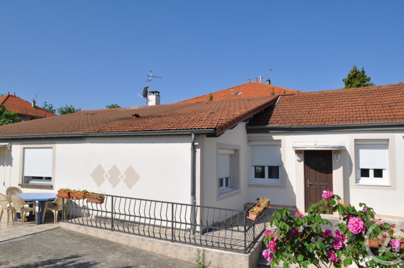Sale house / villa Venissieux 380000€ - Picture 5