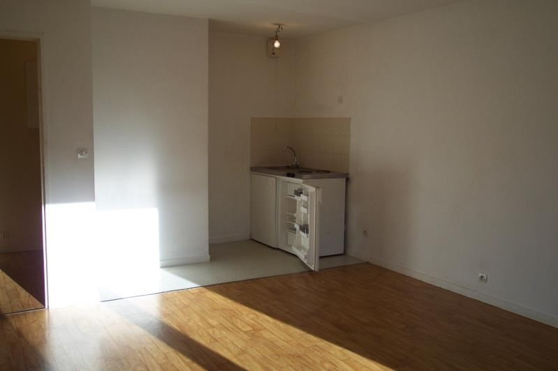 Rental apartment Vernon 415€ CC - Picture 1