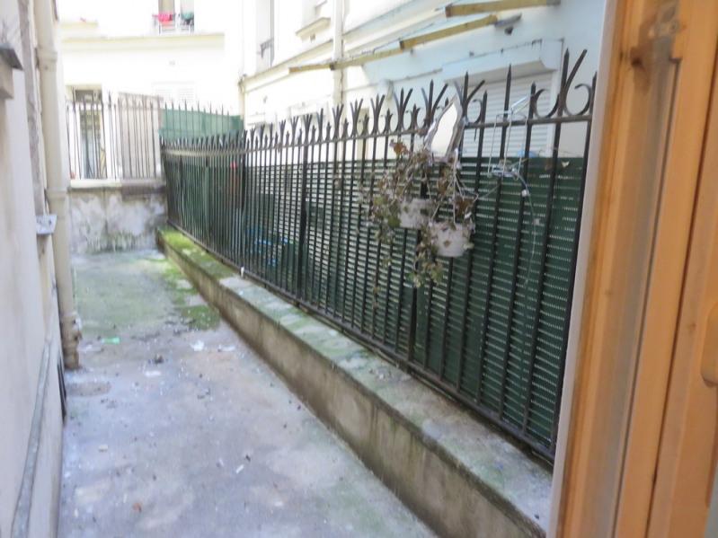 Sale apartment Paris 18ème 270000€ - Picture 2