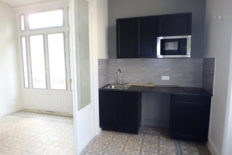 Rental apartment Viroflay 870€ CC - Picture 2