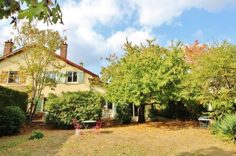 Sale house / villa Le pecq 710000€ - Picture 2