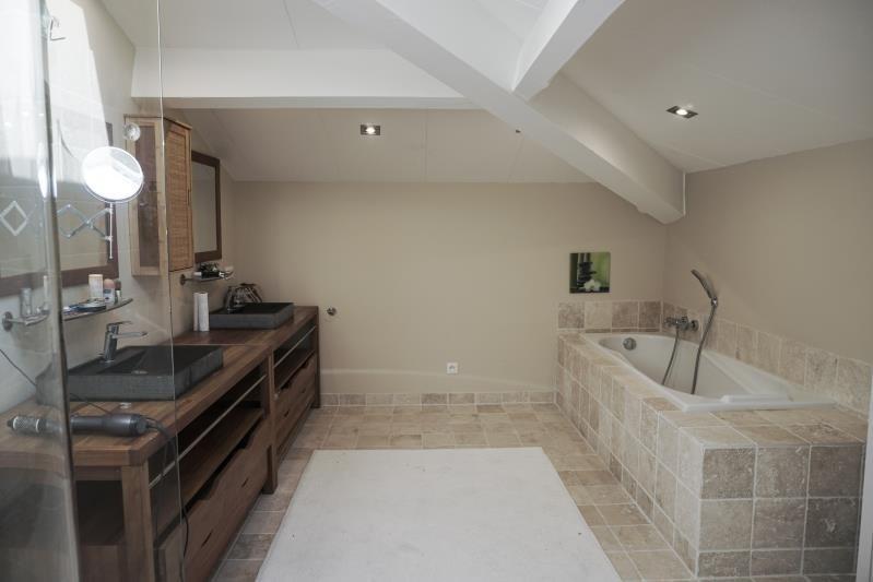 Deluxe sale house / villa L isle jourdain 598000€ - Picture 9