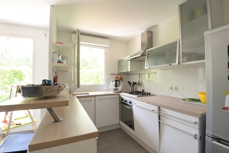 Rental apartment Sainte genevieve des bois 960€ CC - Picture 2
