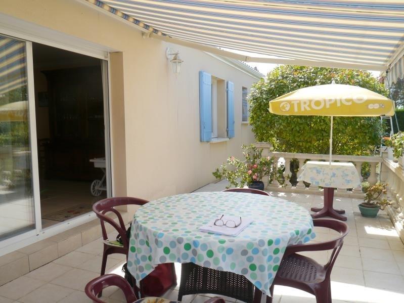 Vente maison / villa Gemozac 240350€ - Photo 4