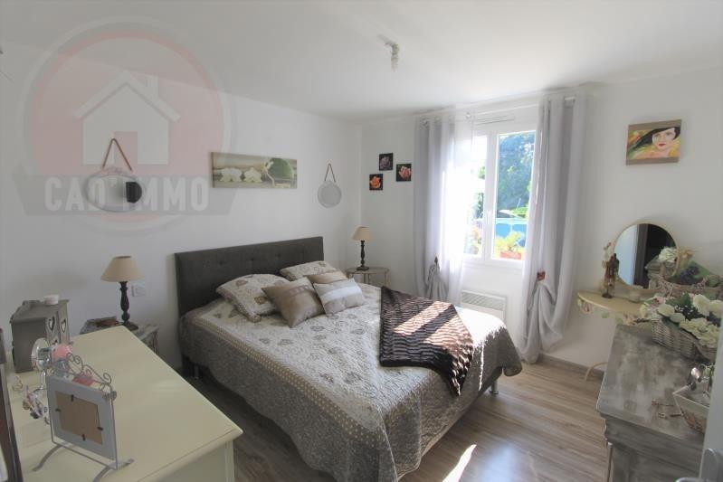 Sale house / villa St aubin de lanquais 184000€ - Picture 6