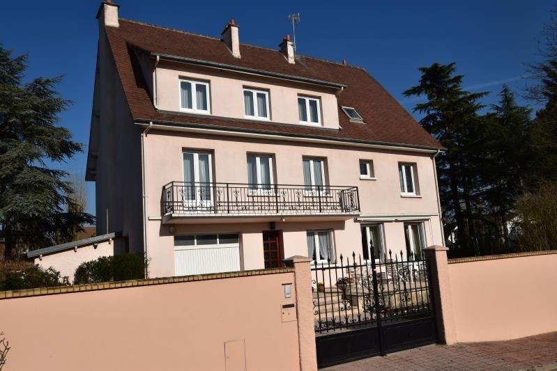 Sale house / villa St nom la breteche 870000€ - Picture 1