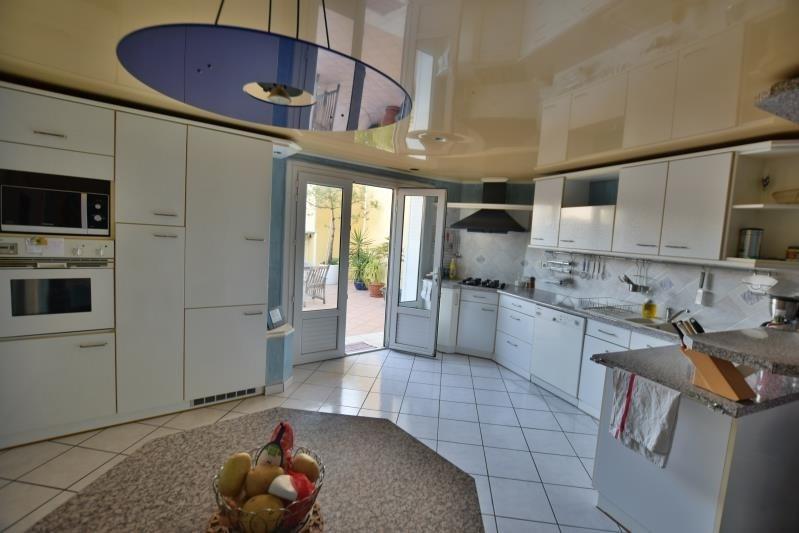 Sale apartment Pau 234000€ - Picture 2