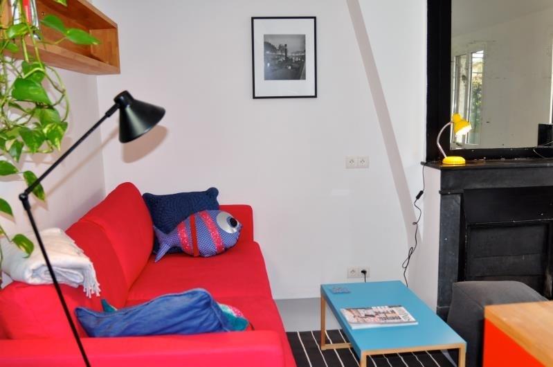 Rental apartment Paris 4ème 1300€ CC - Picture 1