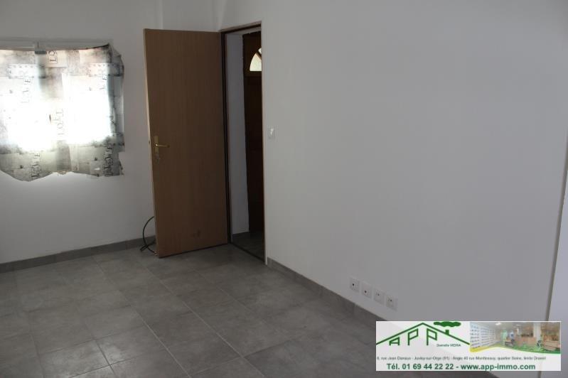 Rental apartment Montgeron 650€ CC - Picture 3