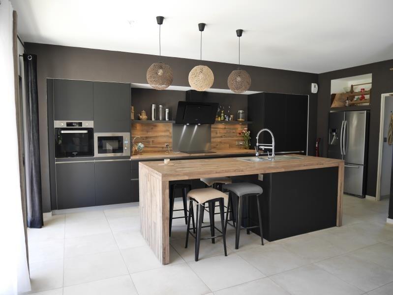Sale house / villa Trets 545000€ - Picture 1